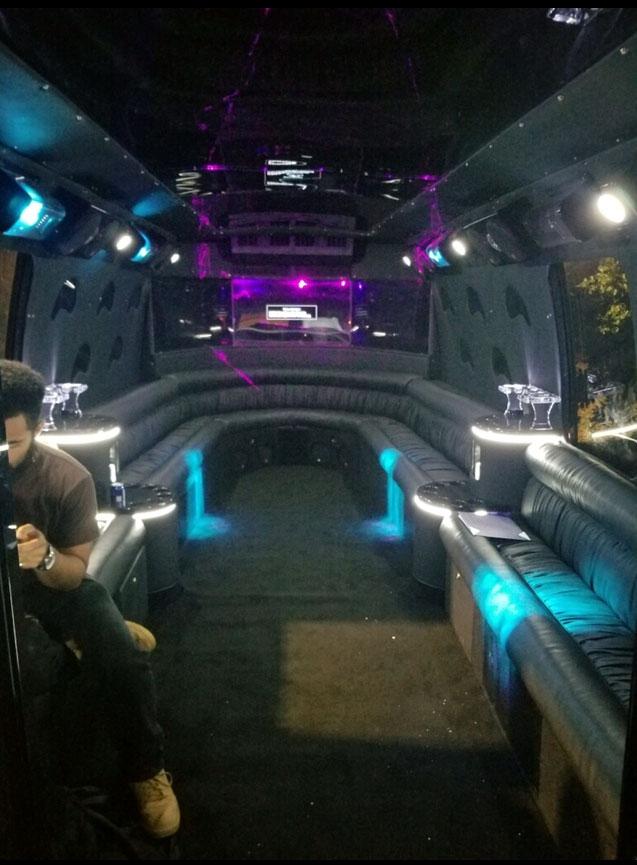 Bus-5-1-3 Party Bus 5